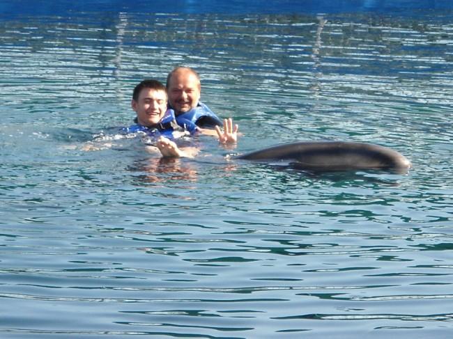 Дельфинотерапия Вальдемара в Мармарисе в 2011 году