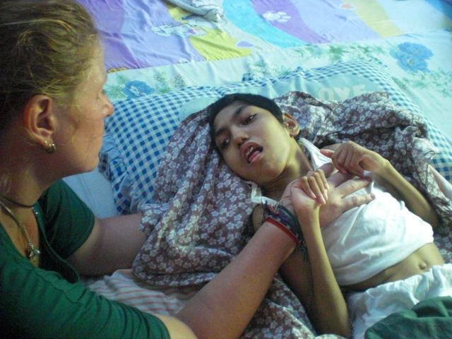 Delphintherapie Zentrum Marmaris: Hilfe für behinderte Kinder in Sri Lanka